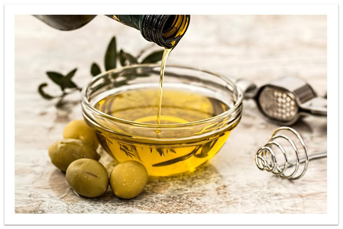 Mille Usi e Avventure dell'olio di Oliva: le maschere nutrienti.